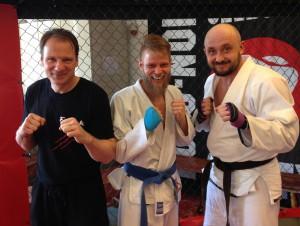 Kampjujutsu Prüflinge mit Trainer